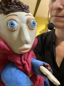 """""""Tentation"""" est l'une des marionnette présente sur le spectacle. Chaque Marionnette représente une facette de Cyrille qui raconte son parcours d'ancien addict."""